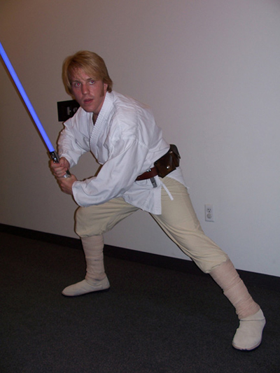 Bryan Stoyle as Luke Skywalker
